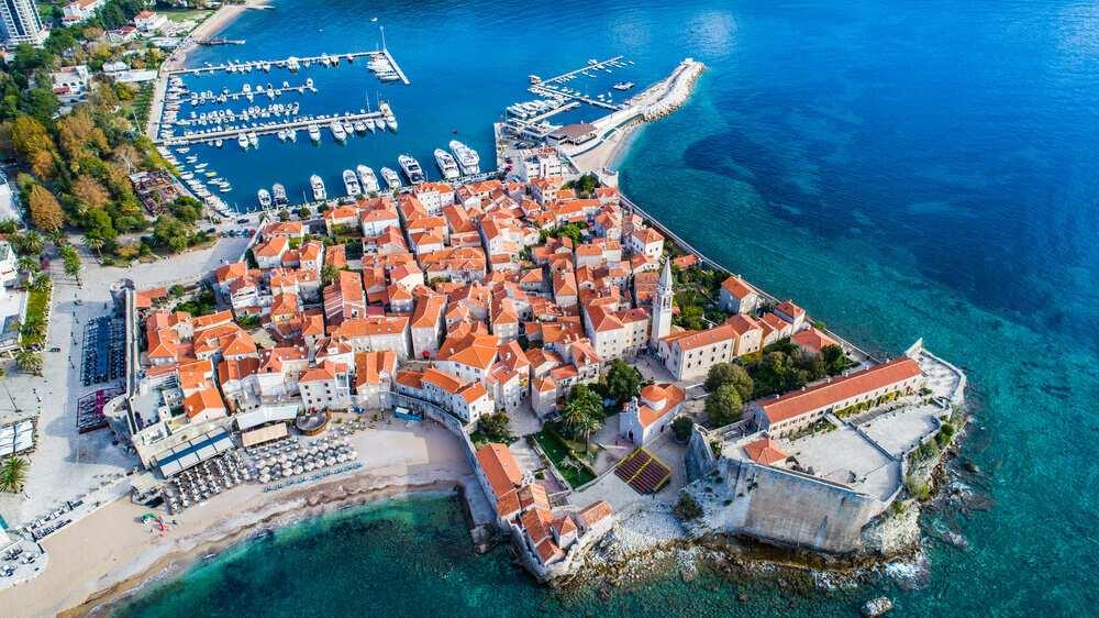 Черногория -  страна, достопримечательности, пляжный отдых, досуг, культурные особенности, национальная кухня, шопинг